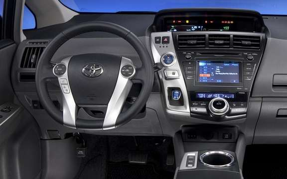Toyota Prius 2012: Available for this summer picture #6