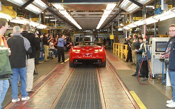 Chevrolet Camaro Convertible 2011: Start of production Oshawa picture #4