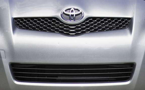 Toyota is still number one, but by the skin of the buttocks