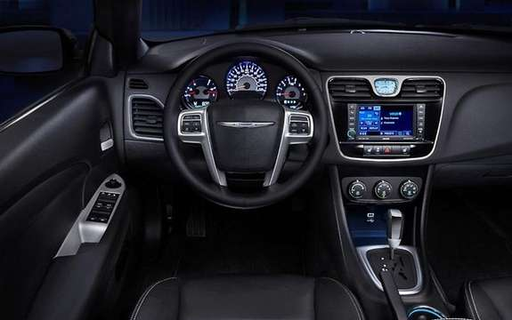 Chrysler 200 Convertible 2011: It was not a Detroit picture #4