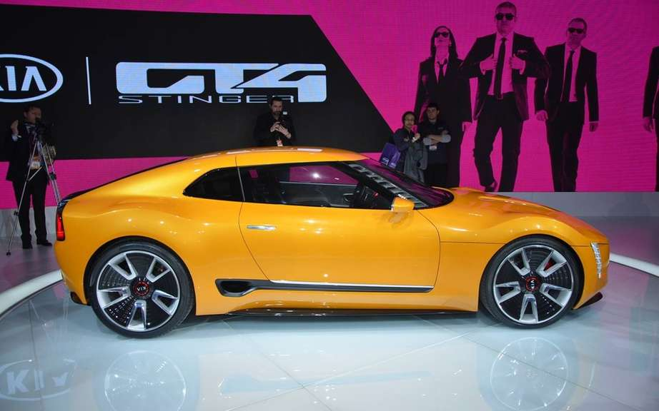 Kia GT4 Stinger cabriolet imagine X-Tomi Design