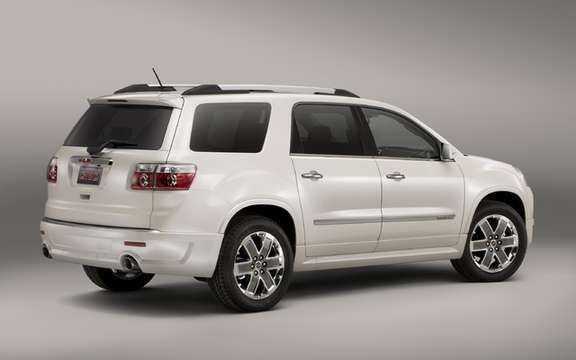 GMC Acadia Denali 2011: The inevitable declination picture #2