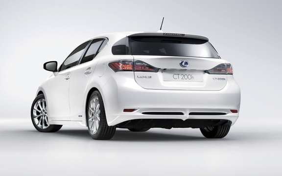 2011 Lexus CT 200h: For less than $ 31,000 picture #2