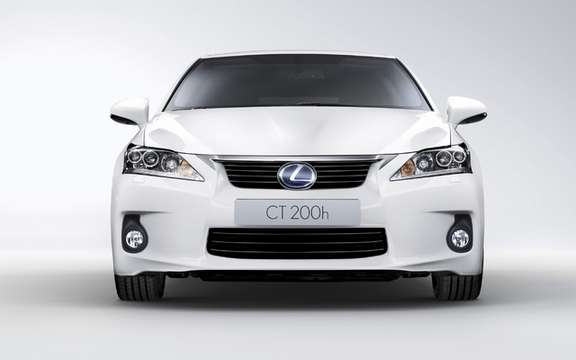 2011 Lexus CT 200h: For less than $ 31,000 picture #3