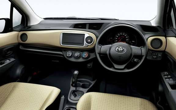 Toyota Vitz 2012: With us is called Yaris picture #4