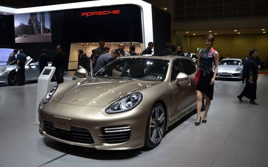 Porsche Panamera is a small envisaged