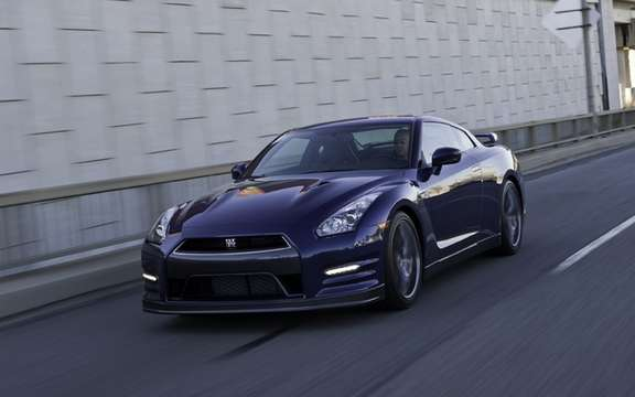 Nissan GT-R 2012: A second version which promises