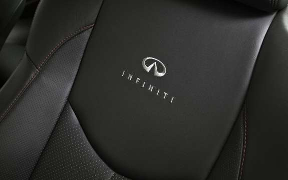 Infiniti IPL G: Concours d'elegance and power picture #6
