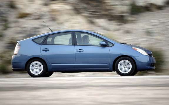 Toyota celebrates 10 years of Prius in Canada picture #3