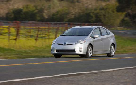 Toyota celebrates 10 years of Prius in Canada picture #4