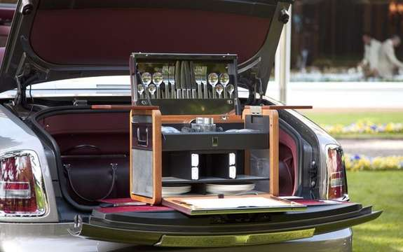 Rolls-Royce Phantom: With a whole picnic