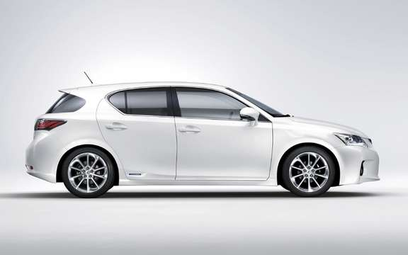 2011 Lexus CT 200h: With four selectable driving modes picture #4