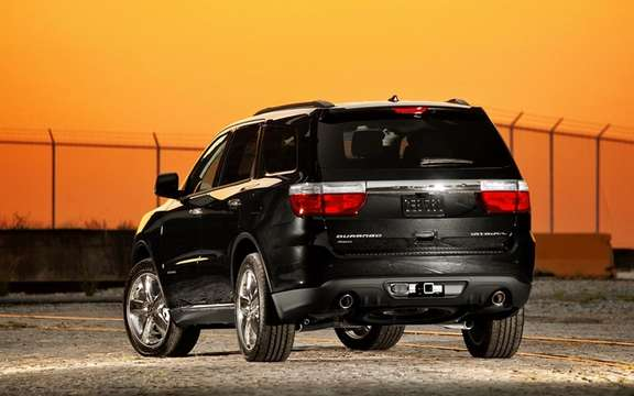 Dodge Durango 2011: Little cousin Grand Cherokee picture #2
