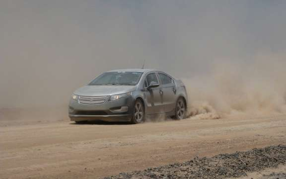 2011 Chevrolet Volt: Essays in the desert of Arizona picture #1