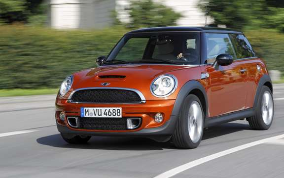 Mini 2011 with slight cosmetic alterations picture #3