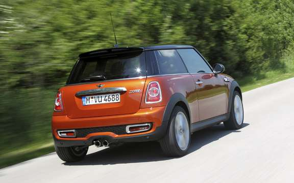 Mini 2011 with slight cosmetic alterations picture #4