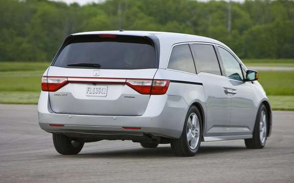 Honda Odyssey 2011: A more mature version 4 picture #2