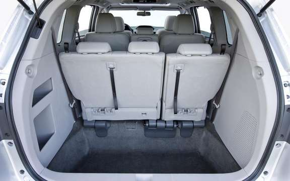 Honda Odyssey 2011: A more mature version 4 picture #3