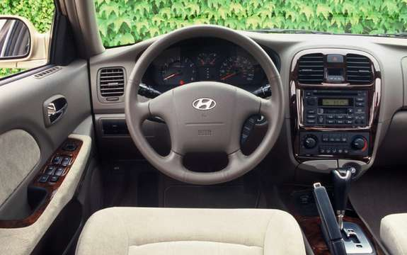 Hyundai Sonata: 25 years of loyal service and doubtful picture #2