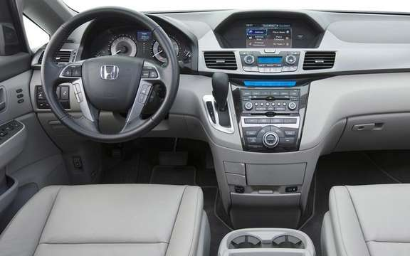 Honda Odyssey 2011: A more mature version 4 picture #5