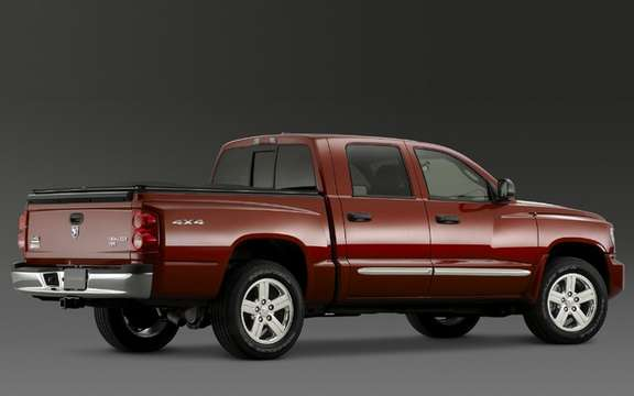 RAM Dakota 2010: You turn your back on the Dodge brand picture #2