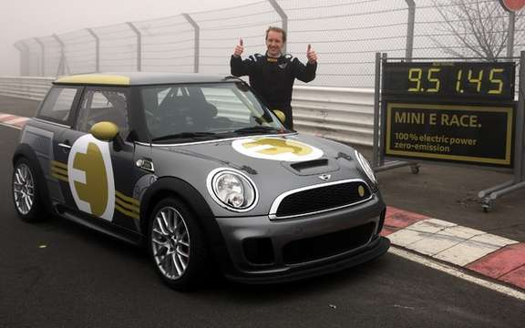 Mini E Race: 187 km / h without polluting picture #5