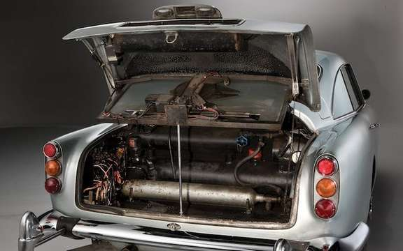 Aston Martin DB5 1964: The Bondmobile is for sale picture #9