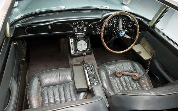 Aston Martin DB5 1964: The Bondmobile is for sale picture #12