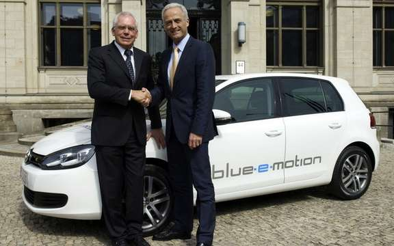 Platform for electric mobility: Golf Blue e-Motion picture #5