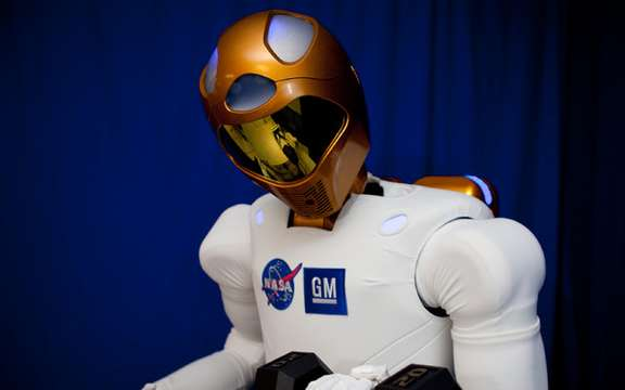 GM Robonaut 2 we present picture #2