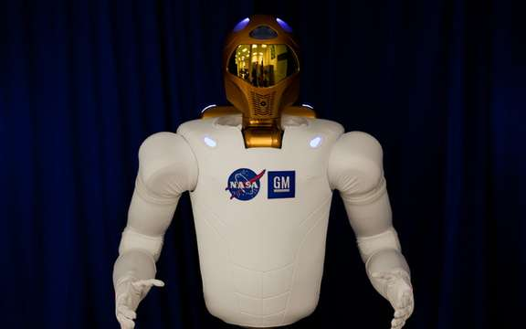 GM Robonaut 2 we present picture #3