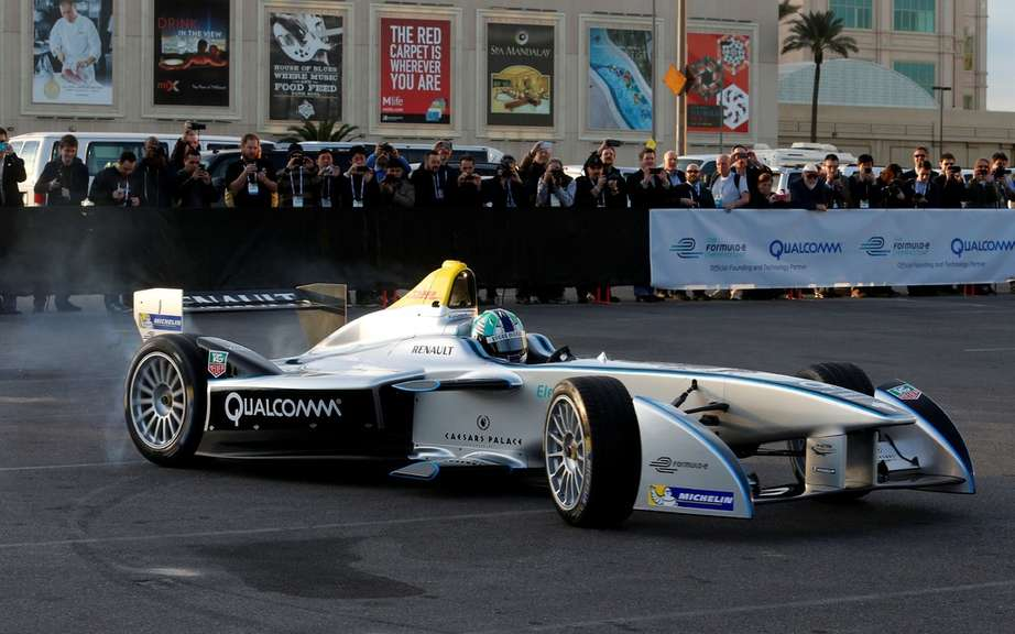 Formula E: first official taxi to the public in Las Vegas picture #5
