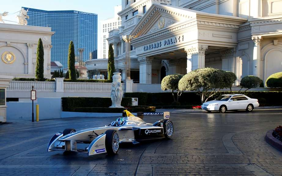 Formula E: first official taxi to the public in Las Vegas picture #6