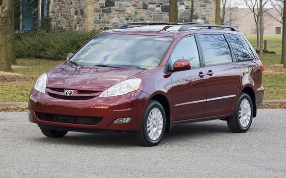 Toyota Sienna 1998 2010: Recall 270,000 vehicles in Canada
