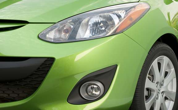 2011 Mazda2: A starting price of $ 13,995 picture #9
