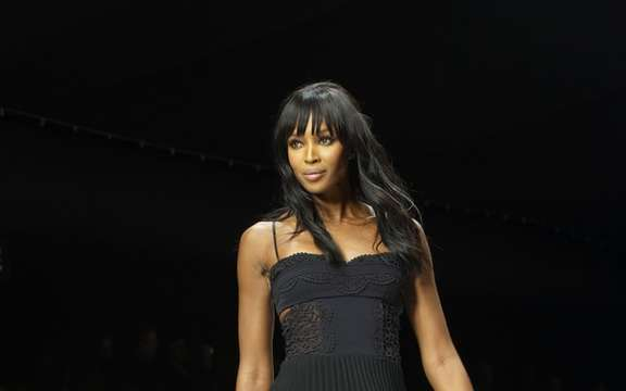 Lotus and Naomi Campbell harvest 1.4 million for Haiti ' picture #3