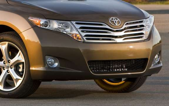 Toyota says the system priority of brakes more vehicles picture #2