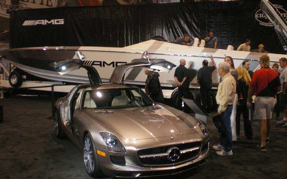 Cigarette Racing boat launches inspired Mercedes-Benz SLS AMG picture #2