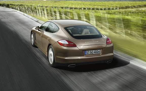 The six-cylinder Porsche Panamera will debut in Beijing picture #2