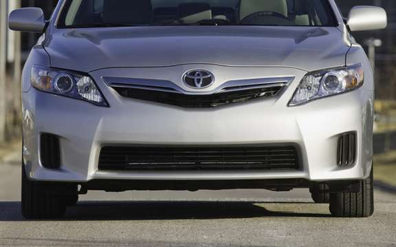Toyota Prius and Lexus HS 250h has submitted a voluntary recall picture #2