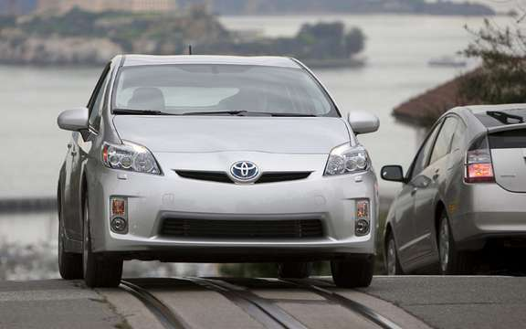 Toyota Prius and Lexus HS 250h has submitted a voluntary recall picture #3