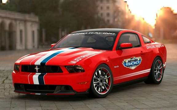 Ford Mustang GT 2011: the new 'Pace Car at Daytona 500