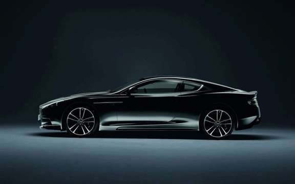 Aston Martin all dressed in black picture #4