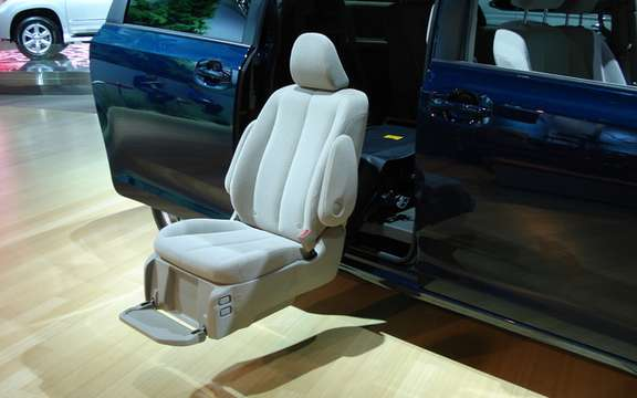 Toyota Detroit: Large and small innovations picture #7