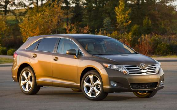 New standard features for the 2010 Toyota Venza
