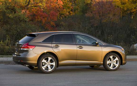 New standard features for the 2010 Toyota Venza picture #2