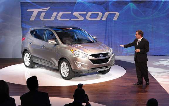 2010 Hyundai Tucson mirror, tell me who is the best? picture #2