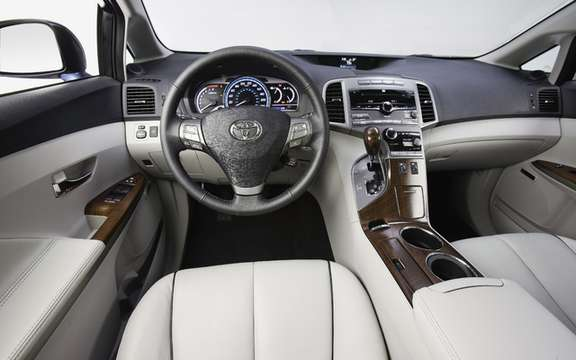 New standard features for the 2010 Toyota Venza picture #4