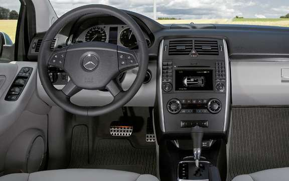 Mercedes-Benz B-Class F-Cell: reserved for 200 customers picture #7