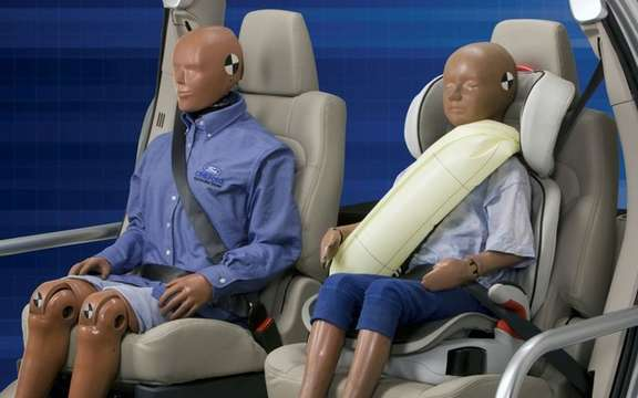 Ford presents its inflatable safety belts picture #2